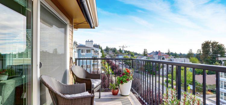 Cam Balkon Dekorasyonu İle Balkonunuzu Baştan Yaratın
