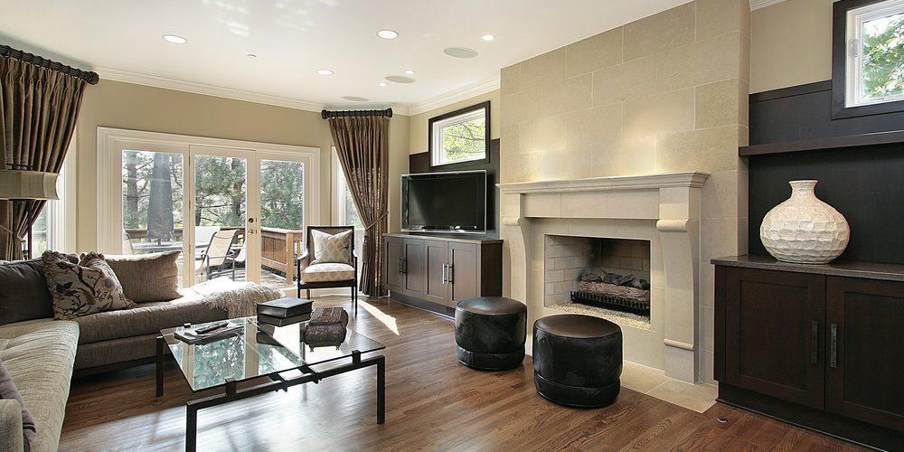 Şömineli Oturma Odası Dekorasyonu İle Evinize Sıcaklık Katın